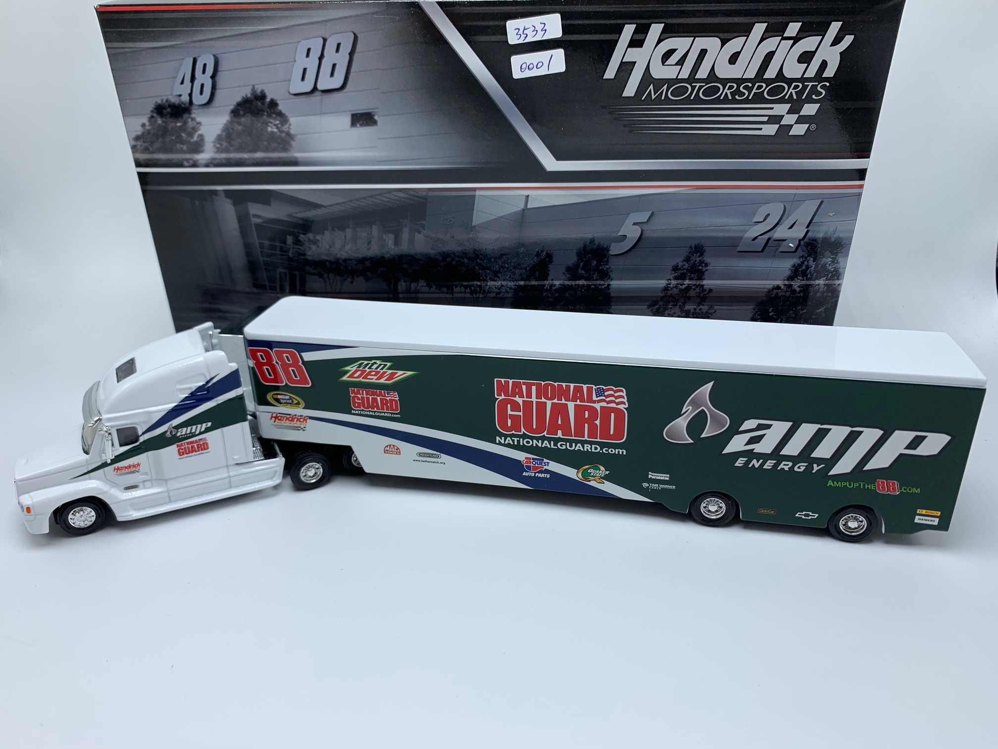 DALE EARNHARDT JR NATIONAL GUARD/AMP 1:64 DIECAST HAULER - DIN # 1