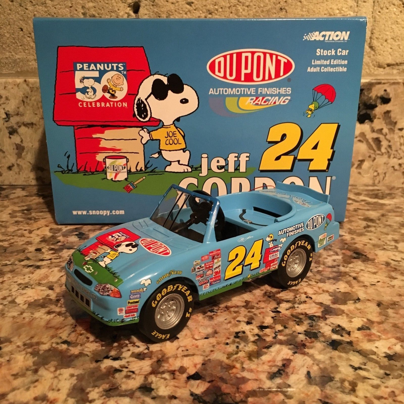 Jeff Gordon No. 24 DuPont/Peanuts 2000 Monte Carlo Action Pedal BANK Collectible