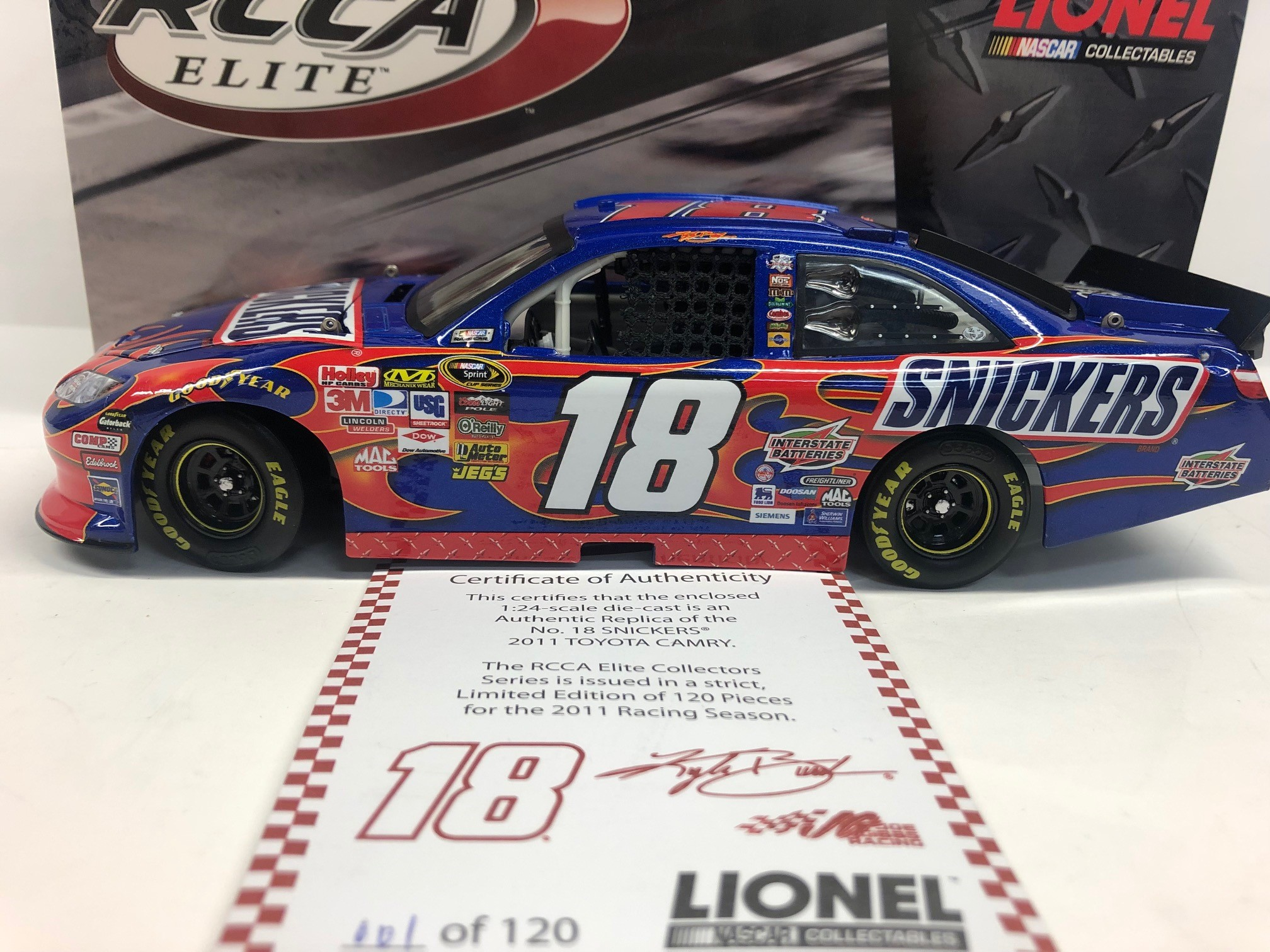 2011 Kyle Busch Snickers RCCA Elite