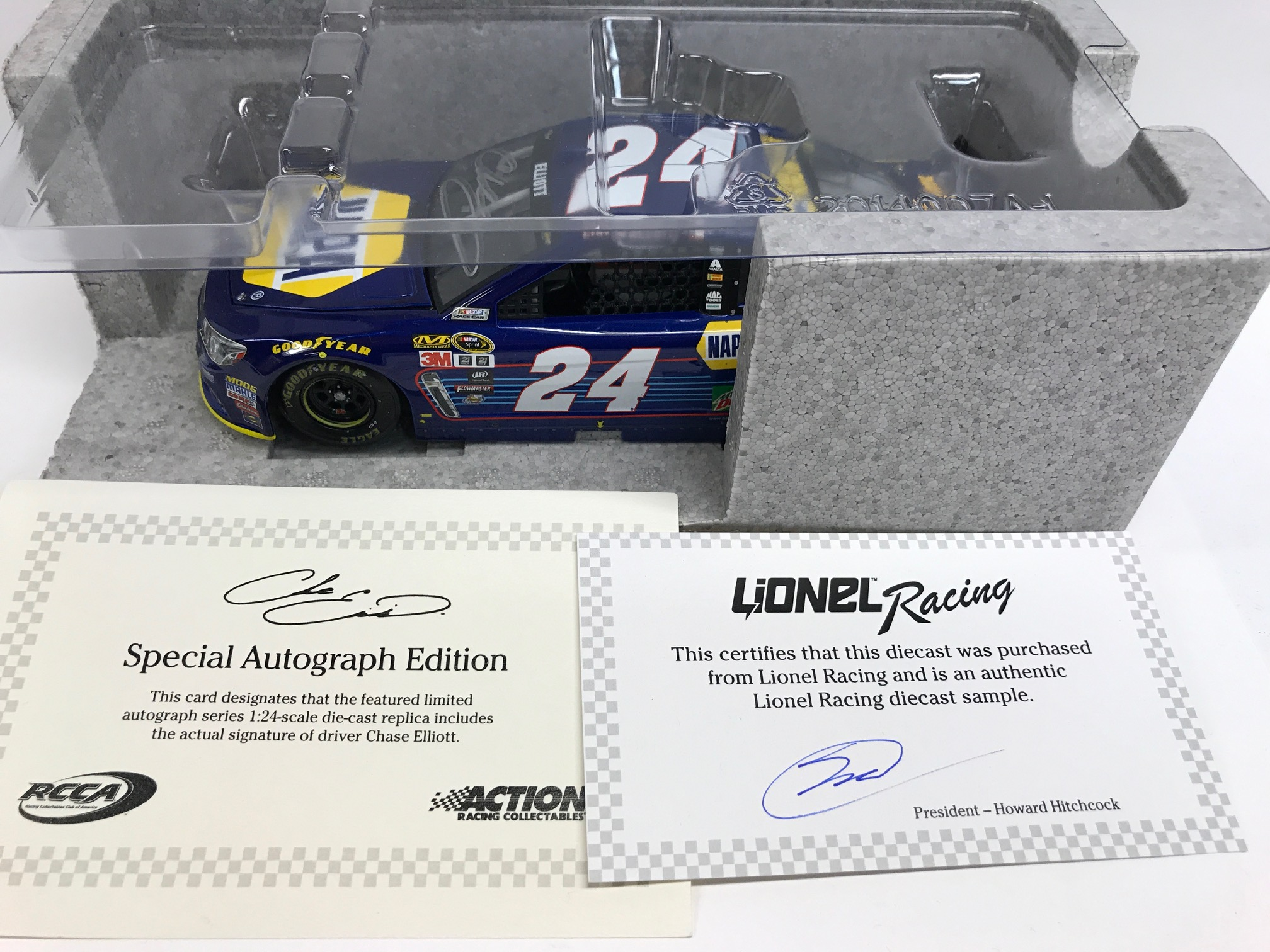 CHASE ELLIOTT 2016 AUTOGRAPHED DAYTONA POLE 1:24 ARC SAMPLE DIECAST