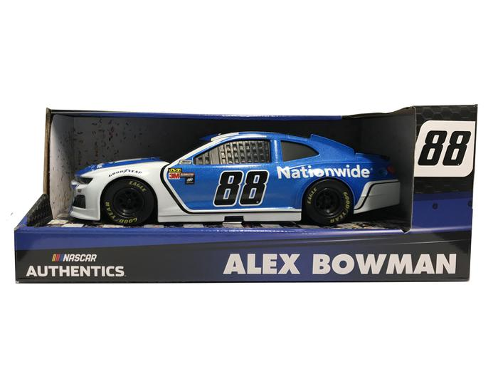 NASCAR Authentics Wave 6 Cole Custer #00 HAAS CNC Xfinity Series Ford Mustang 1//64 Scale Diecast With Bonus Mini Car Magnet