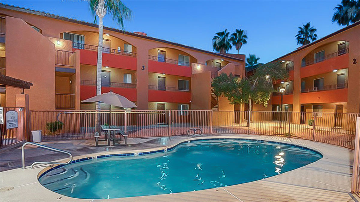 Palm Aire Apartments | 6241 North 27th Avenue, Phoenix, AZ 85017 | 186 Units | Built in 1982 | $14,650,000 | $78,763 Per Unit | $104.18 Per SF