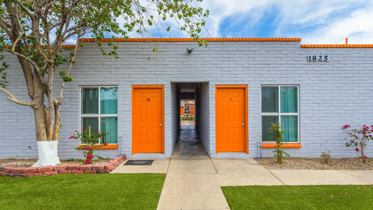 Don Carlos Apartments | 1825 East Don Carlos Avenue, Tempe, AZ 85281 | 14 Units | Built in 1979 | $1,764,000 | $126,000 Per Unit | $219.18 Per SF