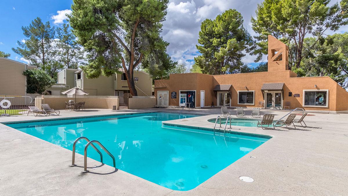 Brookwood | 201 South Kolb Road, Tucson, AZ 85710 | 272 Units | $21,000,000 | $77,206 Per Unit | $101.56 Per SF