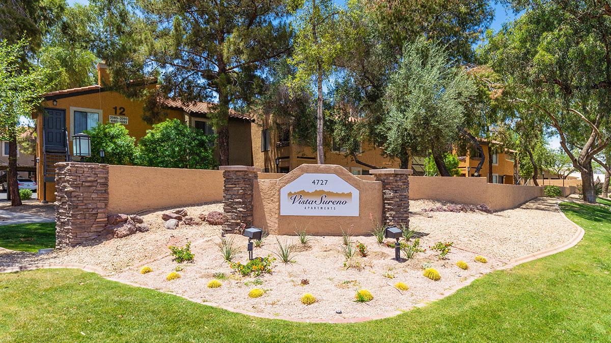 Vista Sureno Apartments | 4727 East Warner Road, Phoenix, AZ 85044 | 186 Units | Built in 1985 | $28,200,000 | $151,613 Per Unit | $174.20 Per SF