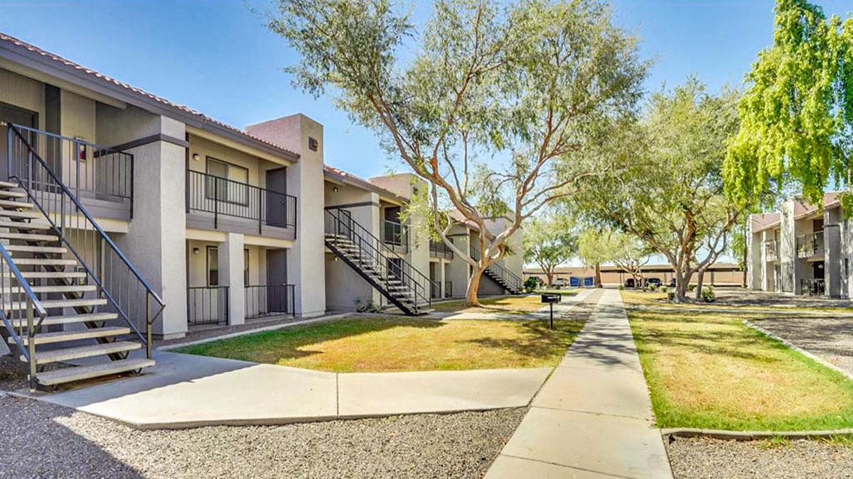 South Mountain Square | 1630 East Baseline Road, Phoenix, AZ 85040 | 117 Units | $10,750,000 | $91,880 Per Unit | $116.80 Per SF