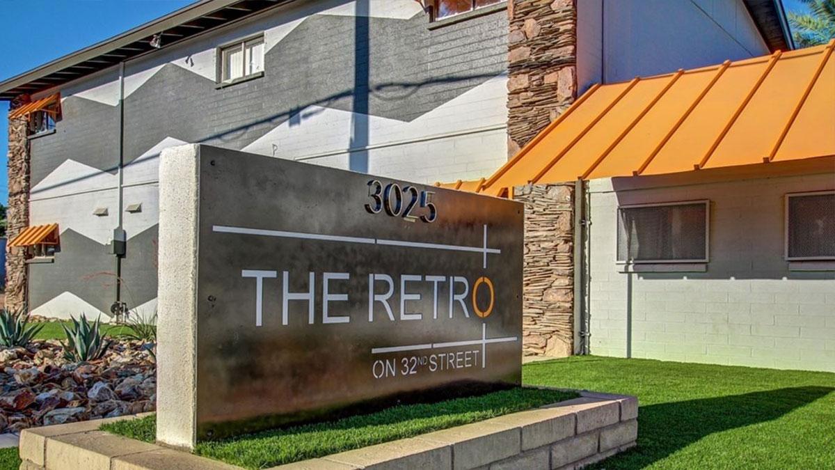 The Retro on 32nd Street | 3025 North 32nd Street, Phoenix, AZ 85018 | 62 Units | $5,350,000 | $86,290 Per Unit | $214 Per SF