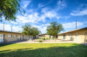 Gardens Apartments | 6826 North 45th Avenue, Glendale, AZ 85301 | 23 Units | Built in 1962 | $1,370,000 | $59,565 Per Unit | $81.27 Per SF