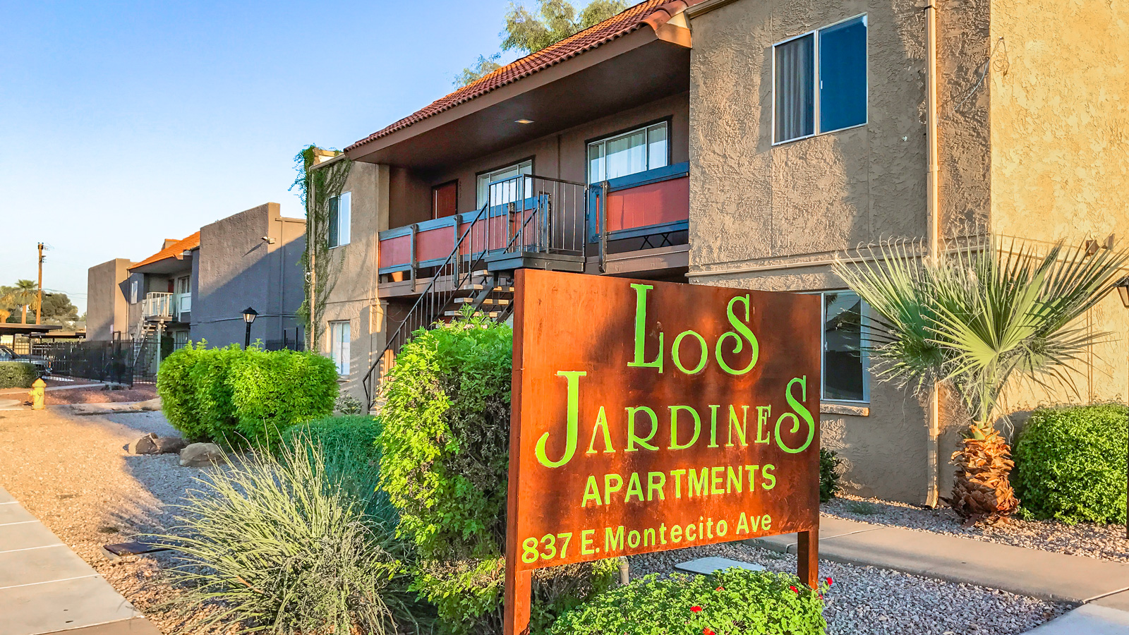 Los Jardines | 837 East Montecito Avenue, Phoenix, AZ 85014 | 28 Units | Built in 1981 | $2,187,500 | $78,125 Per Unit | $110.49 Per SF