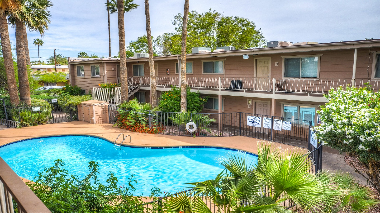 Pierson Palms Apartments | 357 West Pierson Street, Phoenix, AZ 85013 | 20 Units | Built in 1958 | $2,220,000 | $111,000 Per Unit | $133.84 Per SF