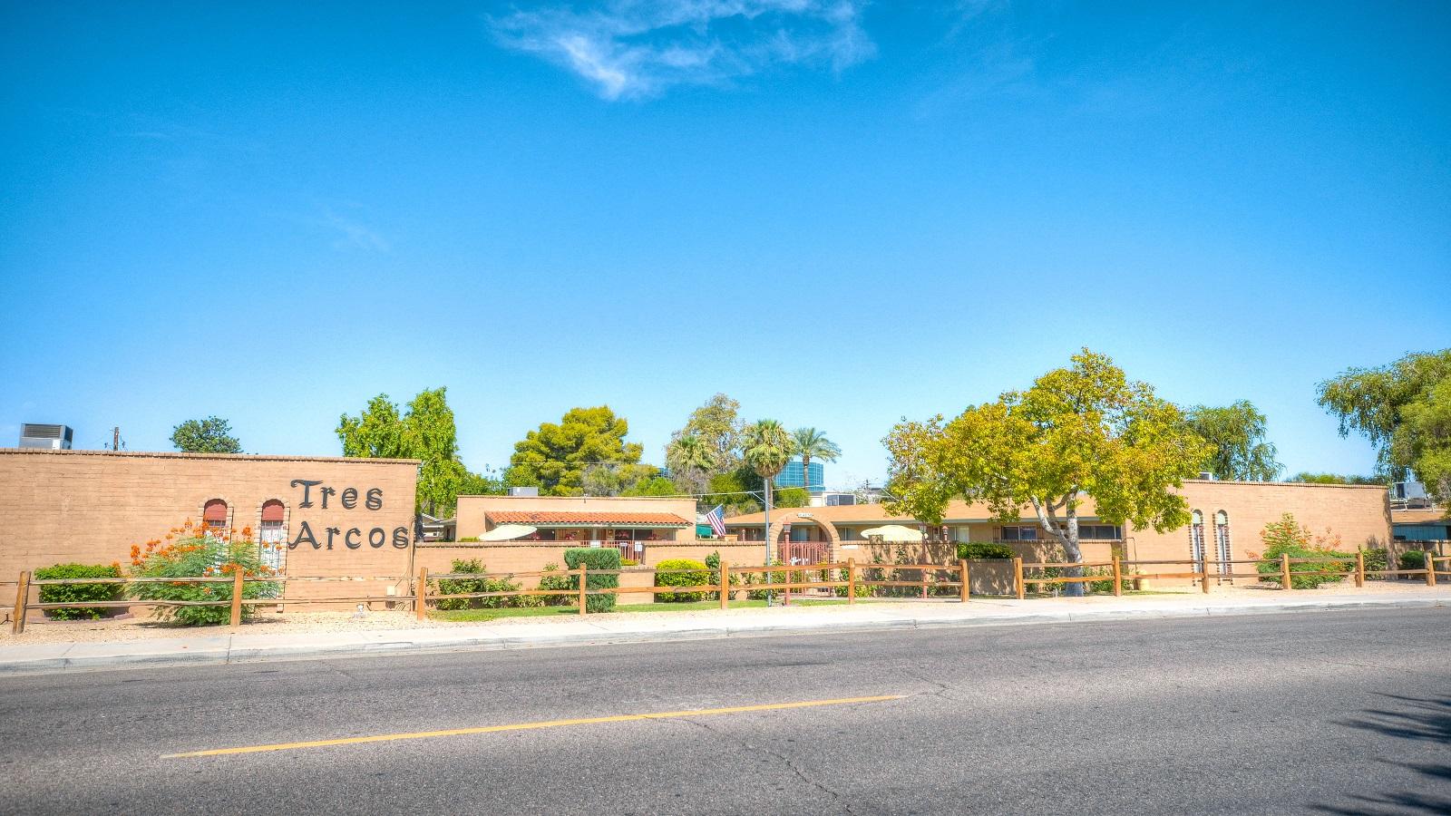 Tres Arcos Apartments | 4750 North 28th Street, Phoenix, AZ 85016 | 25 Units | Built in 1969 | $4,000,000 | $160,000 Per Unit | $199.25 Per SF