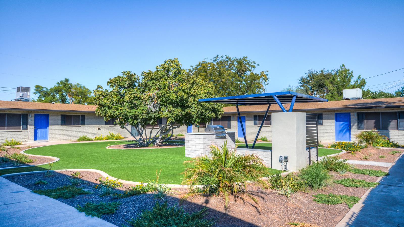 Arcadia Edge Apartments | 3120 - 3130 North 39th Street, Phoenix, AZ 85018 | 23 Units | Built in 1967 | Renovated 2017 | $4,350,000 | $189,130 Per Unit | $235.53 Per SF