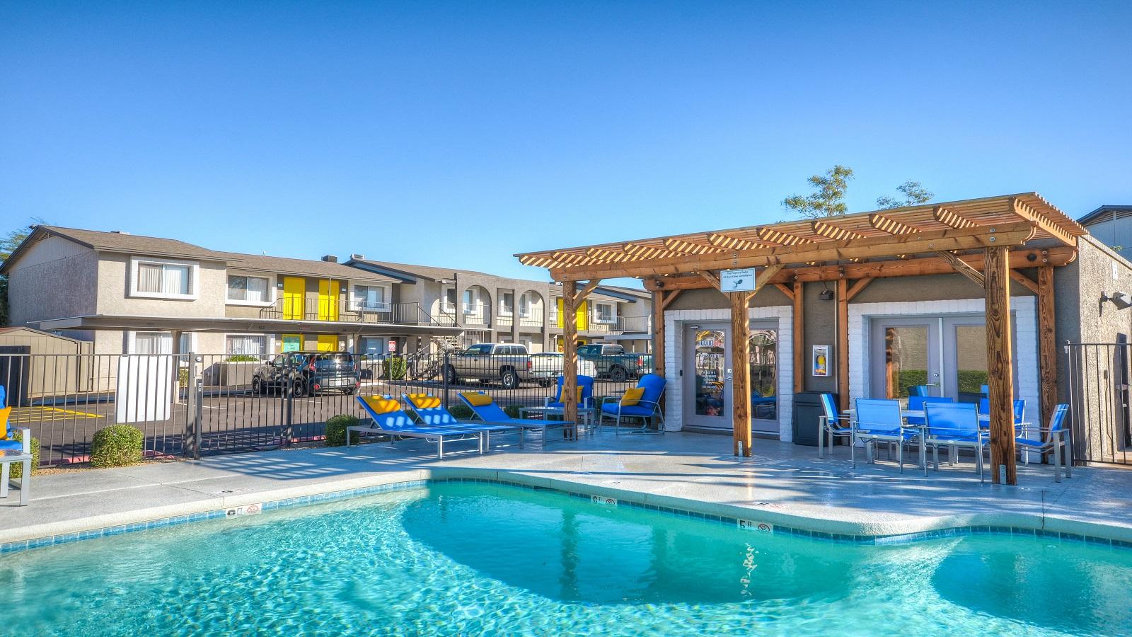 Seventeen 805 Apartments | 17805 North 40th Street, Phoenix, AZ 85032 | 138 Units | Built in 1984 / Renovated in 2016/17 | $16,780,000 | $121,594 Per Unit | $123.15 Per SF