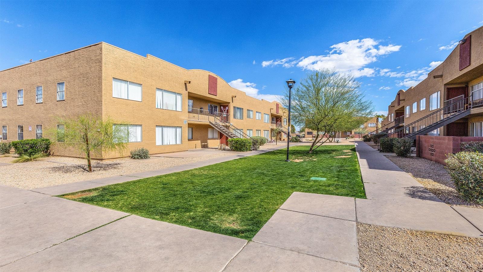 Brighton Place Apartments | 222 East Cody Drive, Phoenix, AZ 85040 | 80 Units | Built in 1988 | $5,250,000 | $65,625 Per Unit | $93.33 Per SF