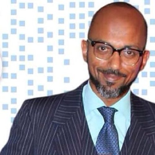 dr . Usama Umar