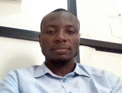 dr . Stephen Esomonye