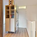 Wat een heerlijke ruimte biedt dit huis. Met maar liefst 4 slaapkamers (eenvoudig zijn er zelfs 5 van te maken) en 2 moderne badkamers is het zeker geen doorsnee woning. Hierdoor is het uitermate geschikt voor grote (samengestelde) gezinnen of voor mensen die gewoonweg op zoek zijn naar veel ruimte. Wacht niet te lang en kom dit huis bekijken!