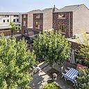 Op zoek naar echt een ruim gezinshuis? Dan is dit uw kans! Aan de rand van de wijk Bongeren gelegen royale, mooi afgewerkte, halfvrijstaande (geschakelde) woning met uitbouw. Deze modern uitgevoerde woning is gelegen op een riant gelegen hoekperceel van 268 m² en is voorzien van een moderne keuken, complete badkamer, 4 ruime slaapkamers, besloten tuin en carport.