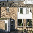 Op zoek naar een rustig gelegen woning in een fijne, kindvriendelijke buurt? Dan is dit huis zeker iets voor u! Deze ruime, goed onderhouden tussenwoning aan het groen met 4 slaapkamers en een zonnige achtertuin, is zeker het bekijken waard.