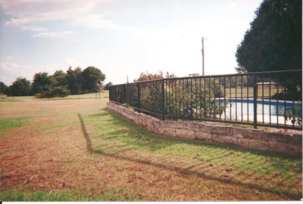 privacy fence, pipe fence, barbed wire, fence company, pipe