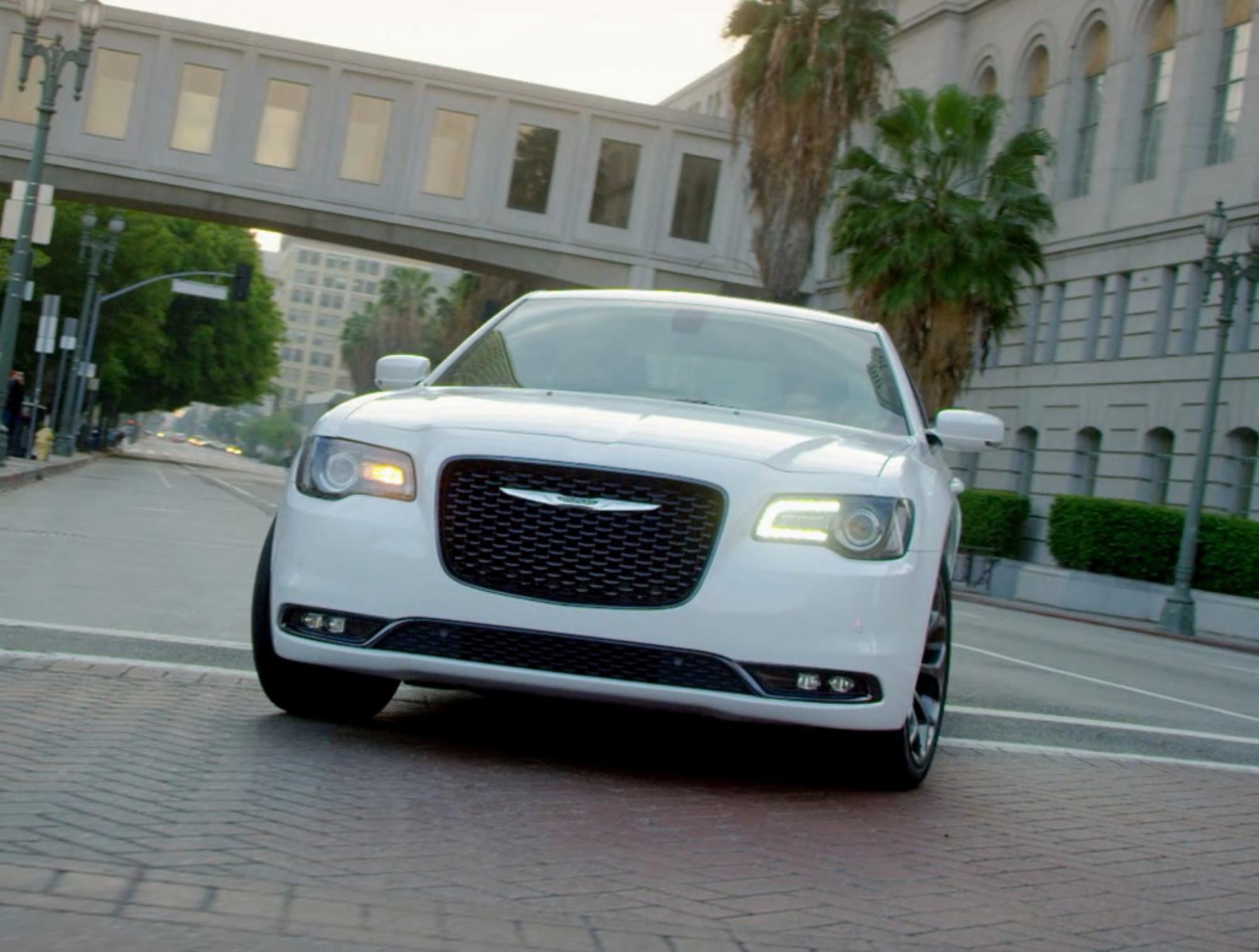 2019 Chrysler 300 - Performance
