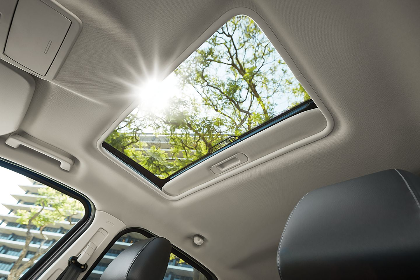 MoonRoof with Sunshade