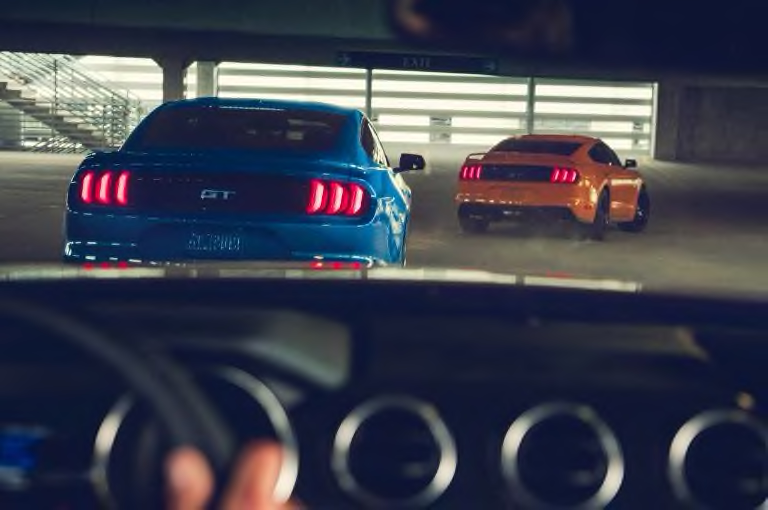 2019 Ford Mustang - Handling