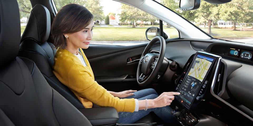 2020 Toyota Prius - Tech
