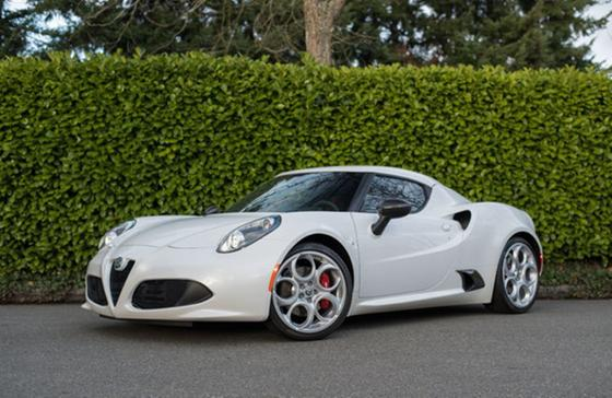 2017 Alfa Romeo 4C Coupe:22 car images available