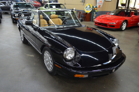 1993 Alfa Romeo Classics Spider Veloce:12 car images available