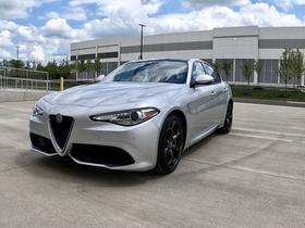 2017 Alfa Romeo Giulia :21 car images available