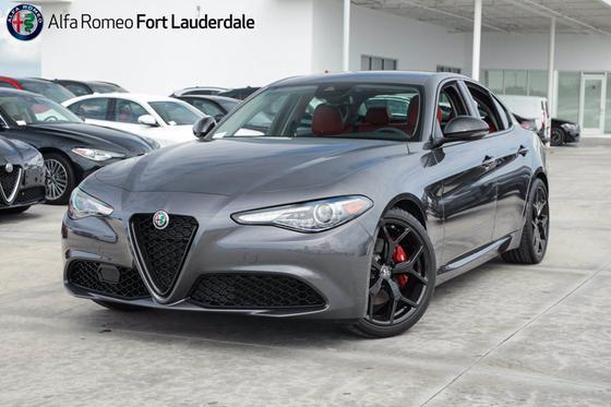 2020 Alfa Romeo Giulia :20 car images available