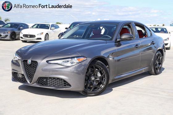 2021 Alfa Romeo Giulia :19 car images available