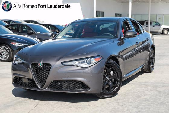 2021 Alfa Romeo Giulia :20 car images available