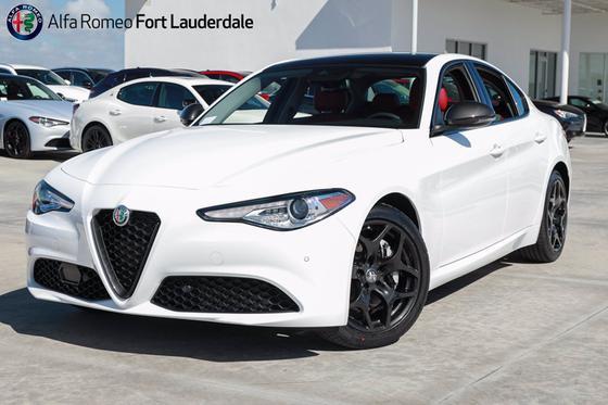 2021 Alfa Romeo Giulia :22 car images available