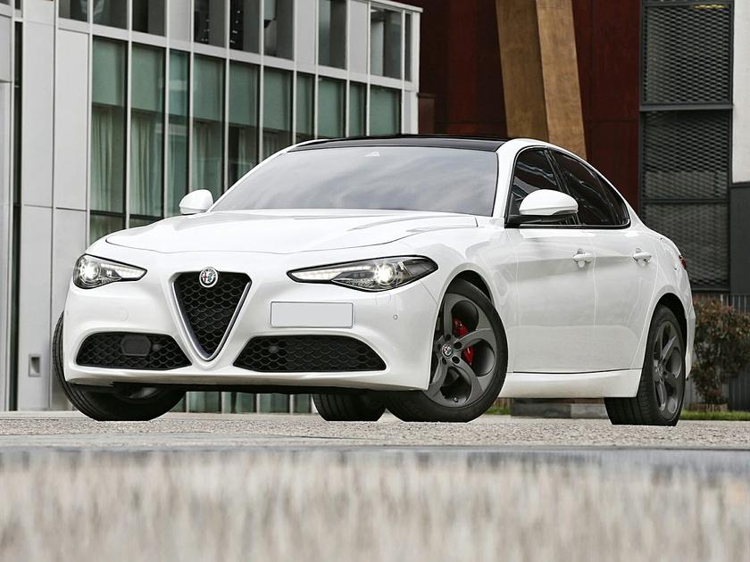 2017 Alfa Romeo Giulia  : Car has generic photo