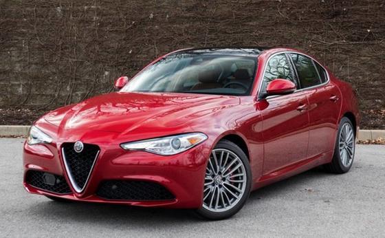 2019 Alfa Romeo Giulia Ti Lusso:24 car images available