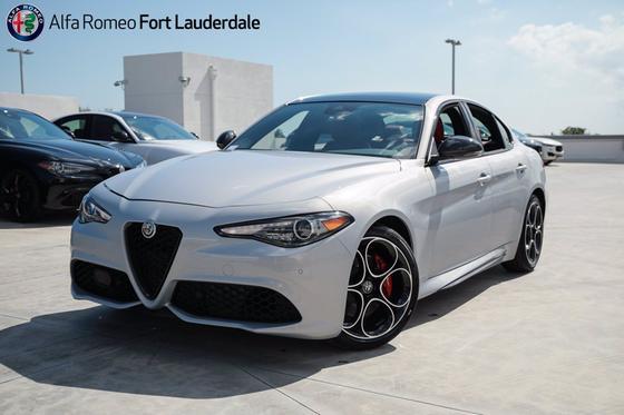 2021 Alfa Romeo Giulia Ti Sport:21 car images available