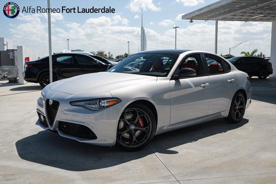 2021 Alfa Romeo Giulia Ti Sport:19 car images available