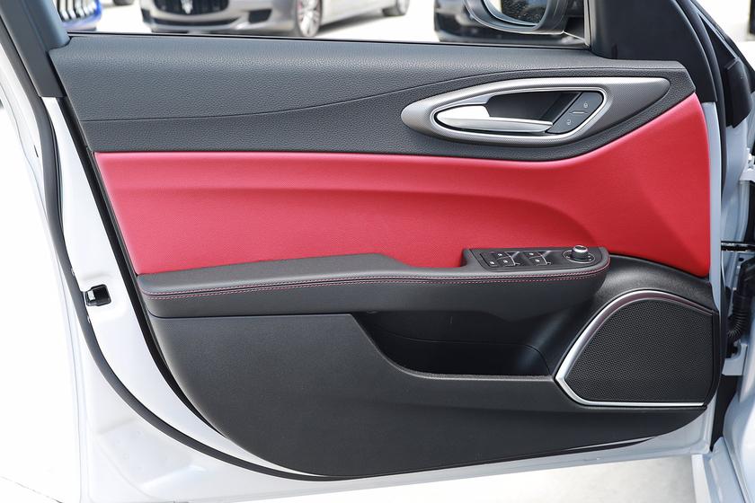 2021 Alfa Romeo Giulia Ti Sport