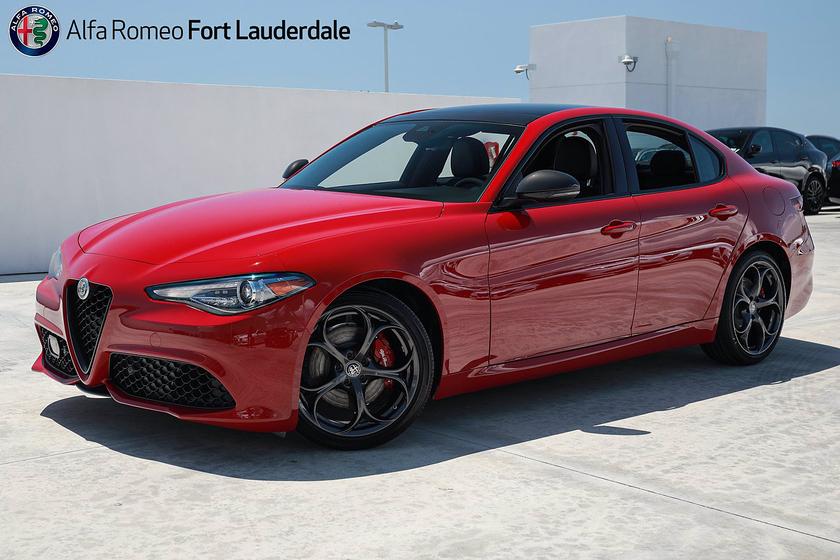 2021 Alfa Romeo Giulia Ti Sport:19 car images available