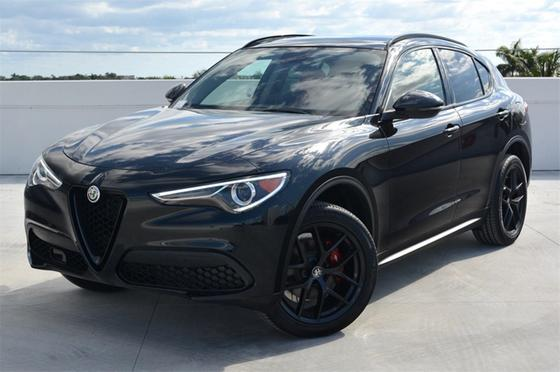 2019 Alfa Romeo Stelvio :24 car images available