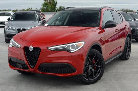 2019 Alfa Romeo Stelvio :24 car images available