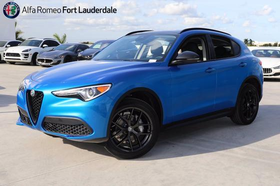 2021 Alfa Romeo Stelvio :20 car images available