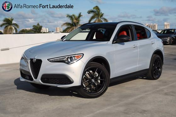 2021 Alfa Romeo Stelvio :21 car images available