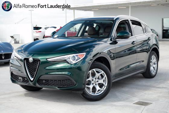 2021 Alfa Romeo Stelvio :21 car images available