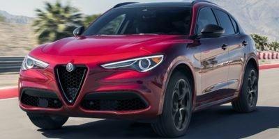 2022 Alfa Romeo Stelvio :2 car images available