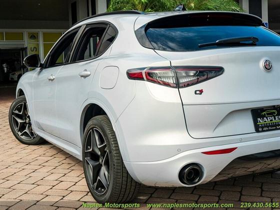 2020 Alfa Romeo Stelvio Ti Sport Carbon