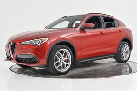 2019 Alfa Romeo Stelvio Ti Sport:24 car images available