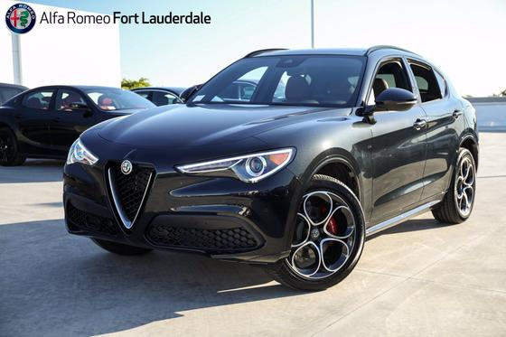 2021 Alfa Romeo Stelvio Ti Sport:21 car images available
